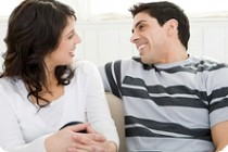 Психологи рассказали, что побуждает бывших партнеров оставаться друзьями