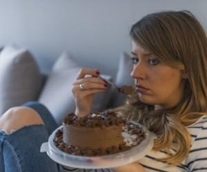 Назван основной симптом нехватки одного из важнейших витаминов