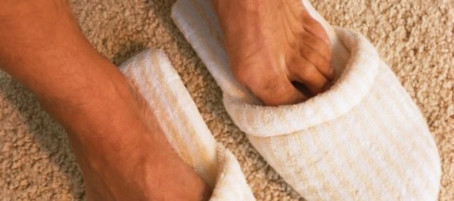 Почему потеют ноги?