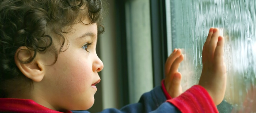 С какого возраста можно оставлять ребенка одного