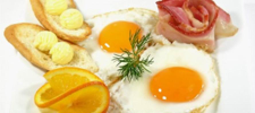 Отказ от завтрака чреват развитием атеросклероза