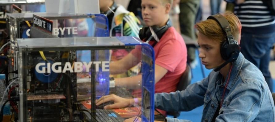 В Роспотребнадзоре указали на близорукость у школьников из-за гаджетов