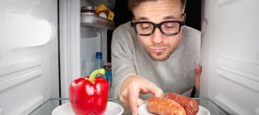 Пропуск завтрака и поздний ужин назвали смертельно опасными