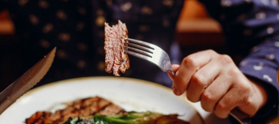 Ученые выяснили, что 65 гр мяса в день снижает риск опасной болезни