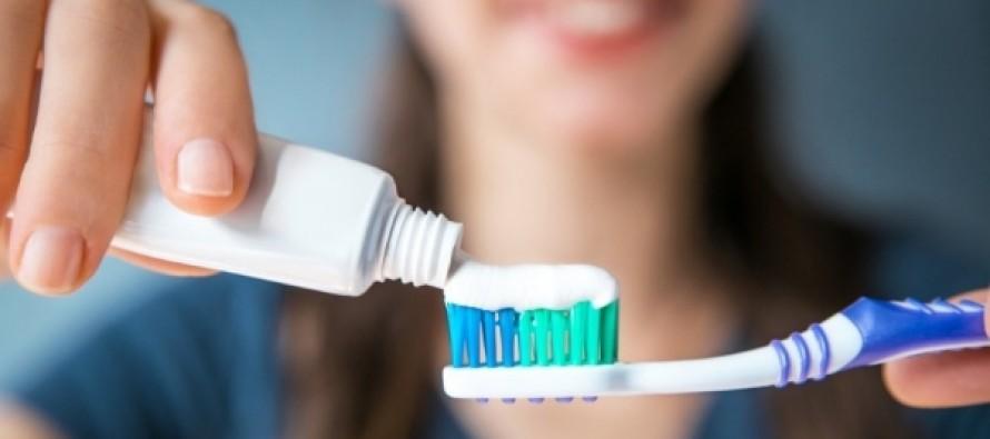 Почему нельзя покупать жесткую зубную щетку